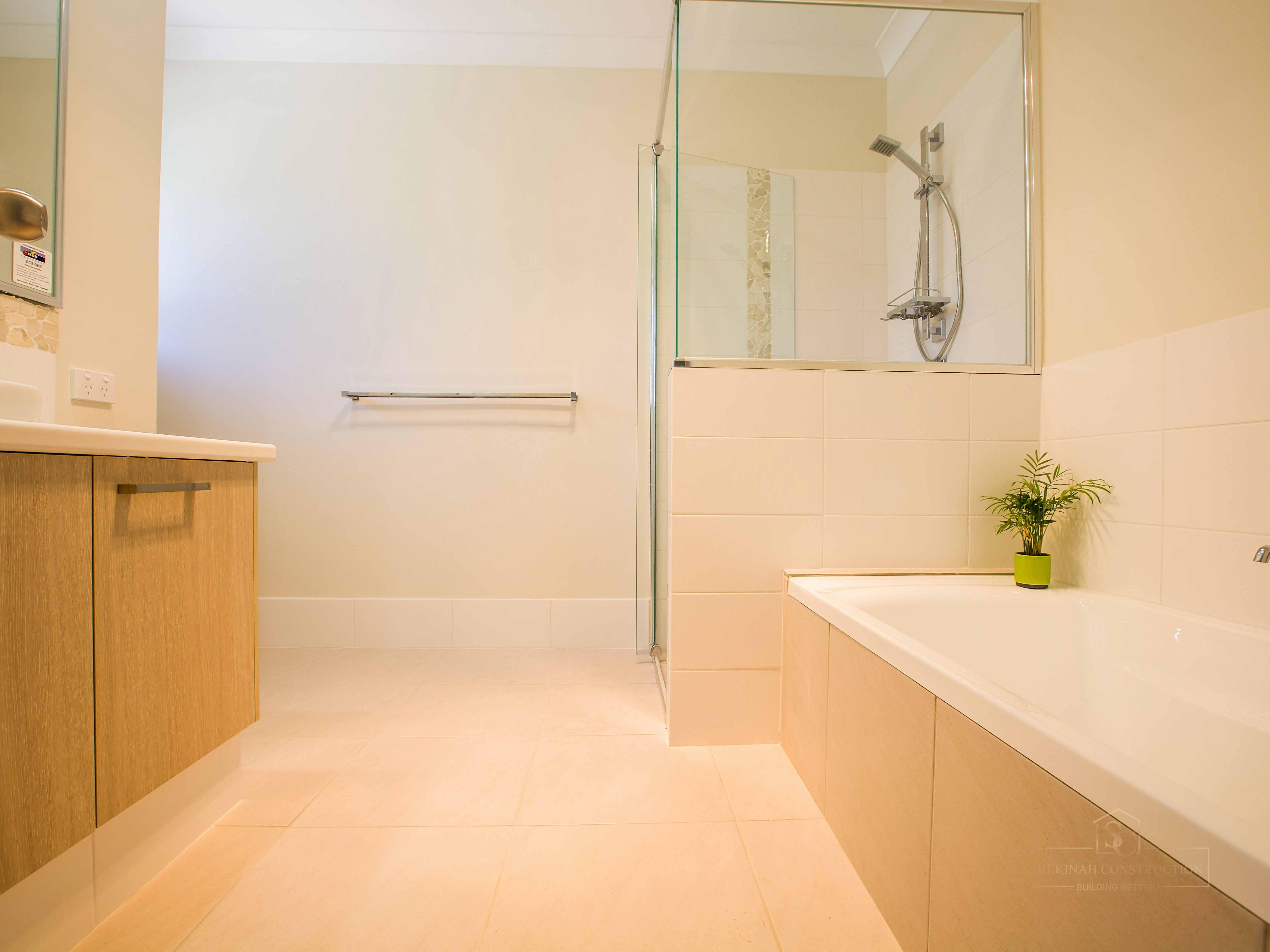 Maxton Bath