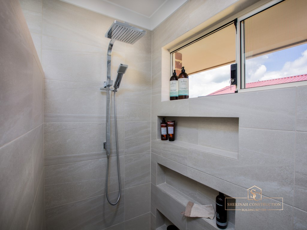 Phenix Rail Shower with Overhead